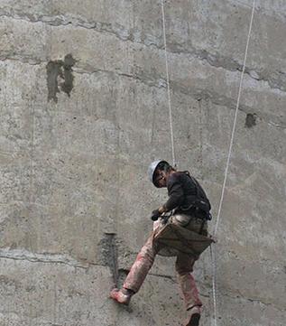Услуги промышленных альпинистов мойка окон
